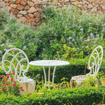 自宅に植物あふれる庭を。イングリッシュガーデンのつくり方
